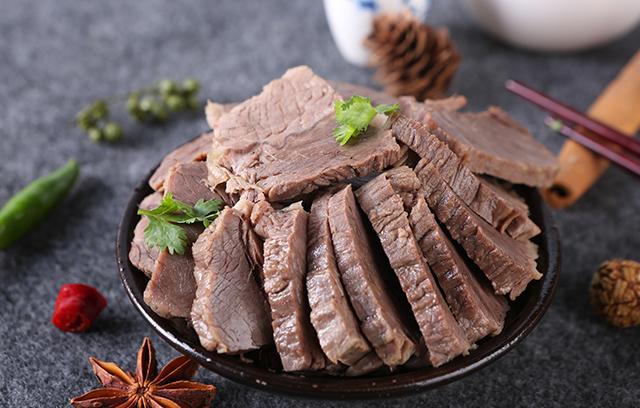 舌尖上的经典,拴嘴驴美味源自驴肉加工厂家