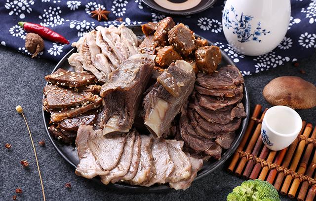 河北拴嘴驴驴肉礼品批发特产厂家告诉您怎么辨别驴肉的真假?